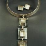 collier cravate cabochons cristal de roche 2000